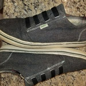 Simple size 11 mens casual shoes